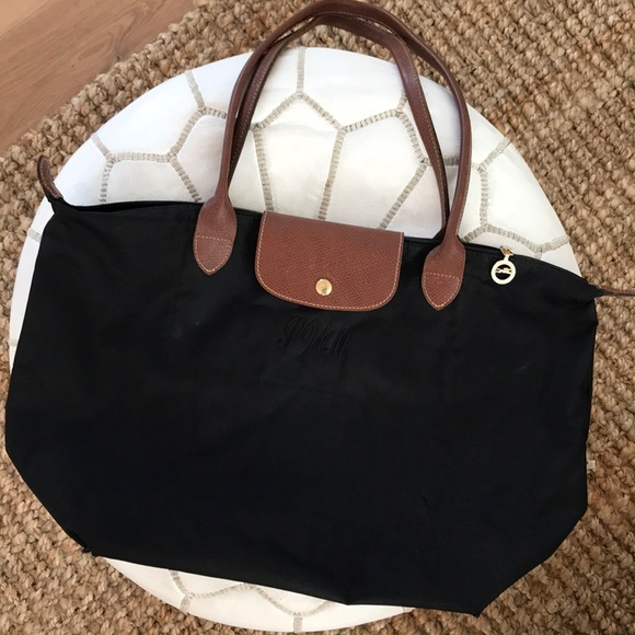 Longchamp Bags   Black Le Pliage Large Bag Tote Nylon   Poshmark fb6dda9bfa